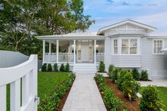 Verandah Building Design is a residential building design studio focusing on practical design solutions to Brisbane's traditional character housing. White Exterior Houses, Bungalow Exterior, House Paint Exterior, Dream House Exterior, Exterior House Colors, Exterior Design, Queenslander House, Weatherboard House, Camden House