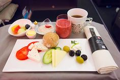 Turkish Airlines new Business Class – Breakfast service (Nov 2013)