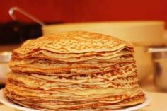 How best pancakes? Crepes, Russian Pastries, Borscht Soup, Famous Drinks, Sour Cream Sauce, Crepe Cake, Seafood Dishes, Tasty Dishes, Breakfast Recipes