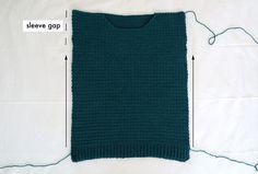 Weekend Snuggle Sweater - free crochet pattern - for the frills Crochet Jumper Pattern, Crochet Hat Tutorial, Jumper Patterns, Crochet Instructions, Easy Crochet Patterns, Free Crochet, Crochet Stitches, Knitting Patterns, Crochet Summer Tops