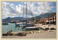 Nidri, Lefkada  http://www.thousandwishes.net/wp-content/uploads/2013/10/31_nidri.jpg