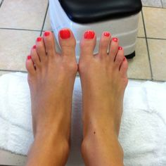 "Loving the gel shellac pedi.... Color ""tropics"""