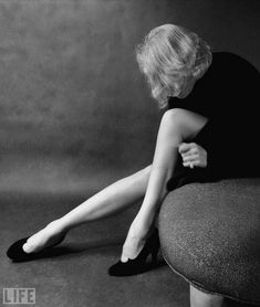 """Marlene Dietrich, photographed by Milton Greene for LIFE Magazine Ms. Dietrich famously commented """"Darling, the legs aren't so beautiful; Martin Munkacsi, Richard Avedon, Marlene Dietrich, Milton Greene, Life Magazine, Hollywood Glamour, Old Hollywood, Boudoir Photography, Fashion Photography"""
