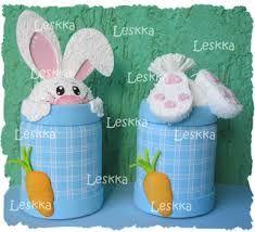 Resultado de imagem para pascoa ideias artesanato reciclando latas Easter Bunny, Easter Eggs, Plastic Bottle Crafts, Pencil Toppers, Decorated Jars, Foam Crafts, Spring Crafts, Easter Baskets, Easter Crafts