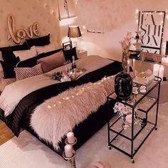 Room Design Bedroom, Room Ideas Bedroom, Home Decor Bedroom, Master Bedroom, Glam Bedroom, Design Room, Bedroom Designs, Bedroom Wall, Girl Apartment Decor