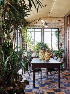 The incredible home of William and Johanna White of Fabulous Mrs Fox, in Brunswick Heads. Photo – Eve Wilson. Production – Lucy Feagins / The Design Files.