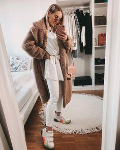 #winterfashion #winter #fashion #style #christmas #love #instagood #winteroutfit #photography #ootd #instafashion #winterstyle #photooftheday #fashionblogger #like #art #streetstyle #mensfashion #shopping #follow #me #snow #instagram #model #beauty #winterwonderland #travel #men #dog #bhfyp Fashion Women, Winter Outfits, Winter Fashion, Ootd, Snow, Street Style, Model, Christmas, Sweaters
