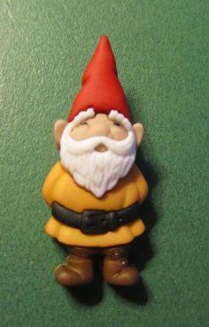 "(1) - 1&1/2"" GARDEN GNOME BROWN PLASTIC CRAFT EMBELLISH SHANK BUTTON-Lot#119x"