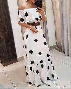 Tube Maxi Dresses, Maxi Dress With Slit, Floral Print Maxi Dress, Pleated Maxi, Stylish Dresses, Fashion Dresses, Cape Sleeve Dress, Trend Fashion, Fashion Women