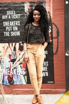 "I am loving the ad behind this girl! ""Shoes buy a ticket, sneakers put on a show."" and ""Shoes are boring, wear sneakers. Look Fashion, Urban Fashion, Girl Fashion, Fashion Design, Brooklyn Street Style, Moda Afro, Streetwear, Cool Outfits, Casual Outfits"