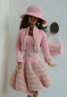 Crochet Fashions for Barbie http://www.pinterest.com/graciecakes10/~barbie~/