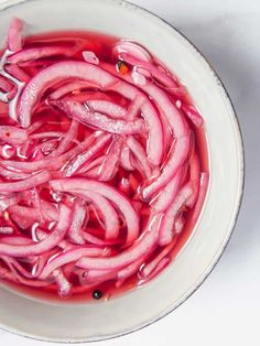 These tangy pickled red onions are the perfect topping to your dishes. So good you'll be eating them straight out of the jar! #pickledonions Vegan Recipes Easy, Raw Food Recipes, Mexican Food Recipes, Mexican Desserts, Amazing Recipes, Salmon Recipes, Drink Recipes, Vegetarian Recipes, Tamales