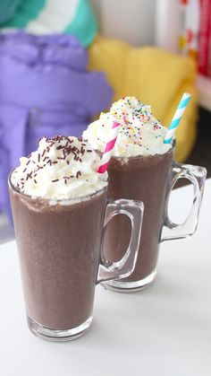 We've shared a few food recipes this week for a fun DIY activity at your next hosting but we just had to finish off the series with this yummy Frozen Hot Chocolate drink. After you've got all your hashtag cookies and puppy chow made, set out these tasty i Sleepover Party, Sleepover Snacks, Slumber Parties, Party Snacks, Party Recipes, Fun Recipes, Cream Recipes, Recipe Ideas, Healthy Recipes