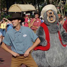 13 Walt Disney World character opportunities that most guests miss