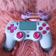 Cotton candy dual shock 4 wireless bluetooth custom playstation controller pc new playstation controller patent has a neat idea for making games more accessible Cool Ps4 Controllers, Ps4 Controller Custom, Playstation, Ps4 Ps3, Mundo Dos Games, Vídeos Youtube, Cool Electronics, Gaming Room Setup, Game Room Design
