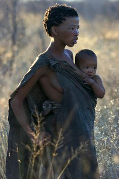 Africa | San (Bushmen) Mother and Child | © Miranda Miranda