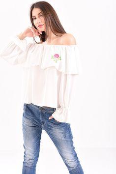 Μπλούζα με έξω ώμους βολάν και κέντημα σε λευκό χρώμα Off Shoulder Blouse, T Shirt, Tops, Women, Fashion, Supreme T Shirt, Moda, Tee Shirt, Fashion Styles