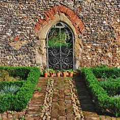 Grey's Court #england #garden - @ekpritchett- #webstagram Garden Fencing, Fence, Portal, National Trust, Heaven On Earth, Pathways, Family History, Beautiful Gardens, Exterior Design