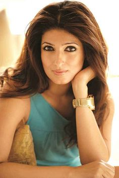 Twinkle Khanna Birthday, Real Name, Family, Age, Weight, Height, Dress Size, Spouse(Husband), Children, Bio & More