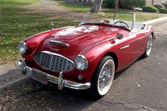 For sale at auction: This Austin-Healey is one of the last with this body style. Stylistically, the windows and convertible top were all changed in 1960, along with the body line...