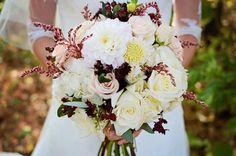 My beautiful wedding bouquet, I was so happy to have such wunderful birdal flowers.  #fall #fallwedding #whiteberryrose #weddingflowers #bouquet #bridal #fallbouquet