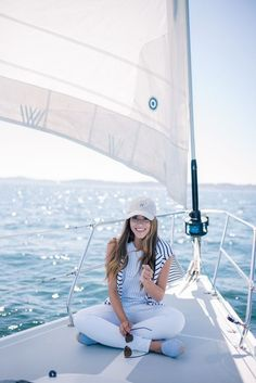 sunglasses outfit Gal Meets Glam Sail Away With Me - Gant Top, Amour Vert Striped Tee, Old Navy Jeans, Tuckernuck Hat, and Ray Ban Sunglasses Nautical Outfits, Nautical Fashion, Sailing Outfit, Boating Outfit, Sailing Jacket, Estilo Navy, Preppy Style, My Style, Curvy Style