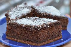 Negresa - CAIETUL CU RETETE Oreo Dessert, Delicious Desserts, Deserts, Food, Sweets, Kitchens, Raspberries, Biscuits, Amazing