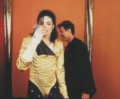 Dangerous tour backstage ;) You give me butterflies inside Michael... ღ @carlamartinsmj