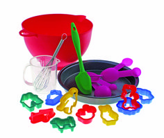 Children's Baking set. A great gift idea for Christmas. www.athomeshopping.co.uk £12.99