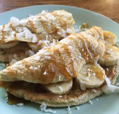 Peanut Butter Banana Crêpe shared by sadiekins_tiu! 3 egg whites, 1 scoop vanilla Perfect Fit Protein, 1 tbsp unsweetened almond milk. Blend all ingredients together until smooth. Cook on low-heat. Fill each with 1/2 tbsp of peanut butter, banana slices and then top with unsweetened coconut & a drizzle of honey!