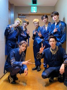 """NCT on Twitter: """"💙🧞♂️🙏💙 #MakeAWish #NCT #NCTU #RESONANCE #RESONANCE_Pt1 #NCT_RESONANCE #MCOUNTDOWN… """" Nct 127, Shinee, Make A Wish, How To Make, Nct Dream Jaemin, Birthday Songs, Lucas Nct, Nct Taeyong, Entertainment"""