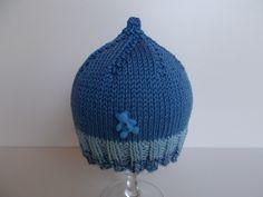 bonnet bébé naissance en coton satiné bleu à rayures bleu ciel et bleu chiné et son nounours bleu, sans : Mode Bébé par bebelaine