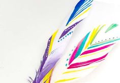 Painted feathers Painted Feathers, Feather Painting, Nature Crafts, Natural Crafts