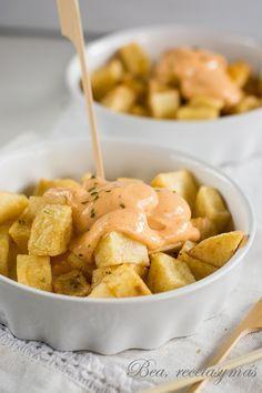 Paprika paprika papas - What we will cook someday - Patatas Potato Recipes, Veggie Recipes, Vegetarian Recipes, Healthy Recipes, Appetizer Salads, Appetizers, Tapas Recipes, No Salt Recipes, Good Food