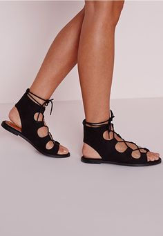 Channel major bohemian vibes in these beaut black sandals. With chic cut out detailing and effortlessly luxe lace up finish, these gladiator sandals are a must-have for any Missguided girls shoe collection!