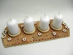 Výsledek obrázku pro adventní věnec z keramiky Ceramic Studio, Ceramic Art, Ceramic Christmas Decorations, Pottery Handbuilding, Clay Projects, Clay Creations, Tea Light Holder, Christmas Inspiration, Pillar Candles