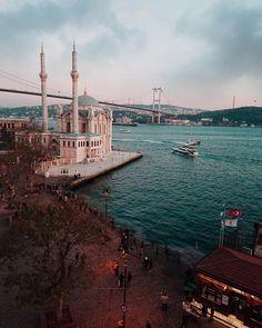 """4,724 Beğenme, 130 Yorum - Instagram'da ilkin karacan karakuş (@ilkinkaracan): """"I'm from İstanbul And you? #ortaköy #bosphorus #istanbul"""""""