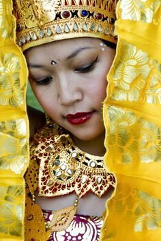 Faces of Bali - Dancer, Indonesia Laos, We Are The World, People Around The World, Beautiful World, Beautiful People, Indonesian Art, Beauty Around The World, Cultural Diversity, Mellow Yellow