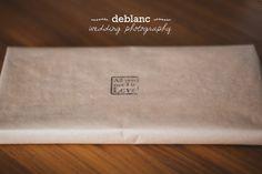 Nuestro #packaging en la entrega de unas #invitacionesdeboda #deblancfotografia #fotografosvalencia