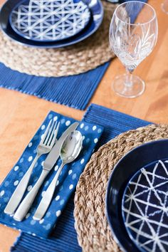 Into The Blue Table Settings