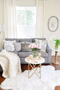Exceptional small living room designs are available on our web pages. Check it out and you wont be sorry you did. Chic Living Room, Cozy Living Rooms, Apartment Living, Home And Living, Living Room Decor, Bedroom Decor, Small Living, My New Room, Home Fashion