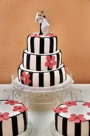 Zwart-wit gestreepte bruidstaart