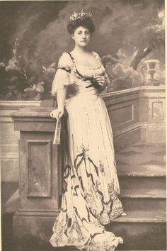 Mrs. Cornelius Vanderbilt, a social leader who had behind her the Vanderbilt name and the Vanderbilt millions.