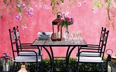 From chic outdoor rugs and outdoor fires to stylish tableware