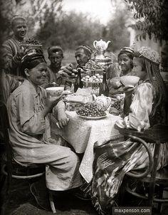 Samovar in Soviet Uzbekistan