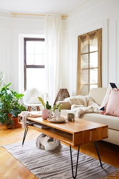 Minimalist living room is unquestionably important for your home. Because in the living room every the comings and goings will starts in your beautiful home. locatethe elegance and crisp straight Minimalist Living Room Uk. Living Room Photos, Living Room Modern, Living Room Designs, Minimalist Room, Minimalist Home Decor, Minimalist Scandinavian, Scandinavian Living, Modern Minimalist, Small Space Living