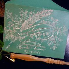 237 отметок «Нравится», 35 комментариев — F Phyllis Macaluso (@fpmmac) в Instagram: «#envelopes #envelopeart #envelopeexchange #engrossersscript #penpal #penmanship #penflourishing…» Calligraphy Paper, Copperplate Calligraphy, Penmanship, Calligraphy Alphabet, Fancy Envelopes, Decorated Envelopes, Envelope Lettering, Calligraphy Envelope, New Project Ideas