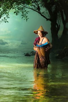 River lady, Thailand
