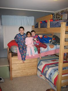 our journey: TRIPLE BUNK BEDS!