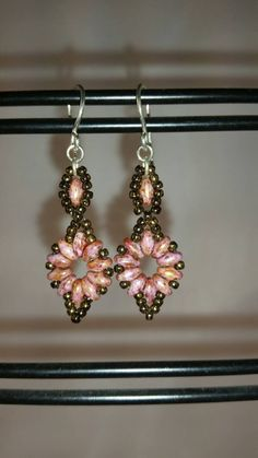 Beaded Starburst earrings. Soft pink with gold finish makes the earrings sparkle softly. 1.5 inches long.  Made in Oregon #design #etsyretwt